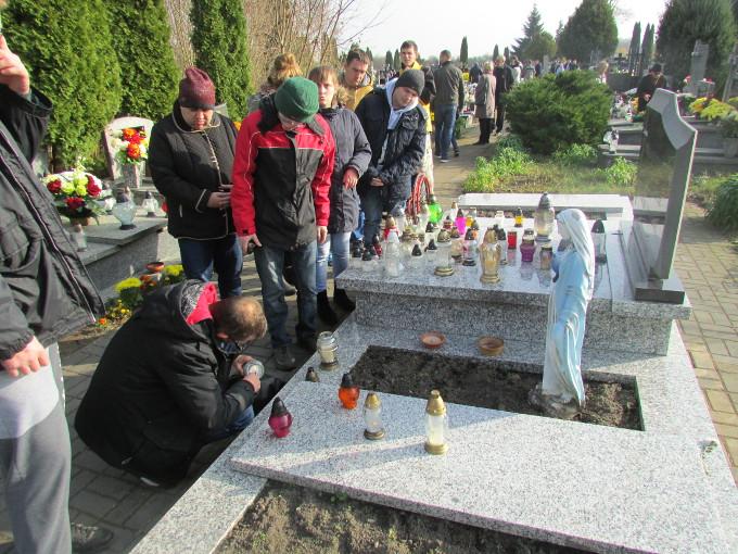 Więcej o: Dzień Zaduszny na cmentarzu w Konstantynowie